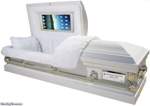 Steve-Jobs-Coffin-91225